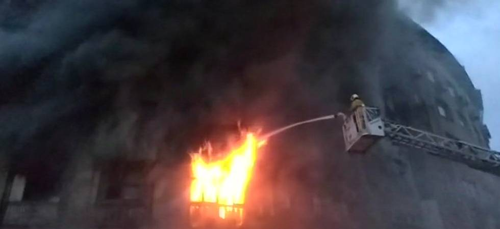 Mumbai: Massive fire breaks out in Patel Chambers, two firefighters injured (ANI Photo)