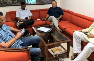 Arvind Kejriwal, Manish Sisodia, AAP ministers stage sit-in protest at LG Anil Baijal's office