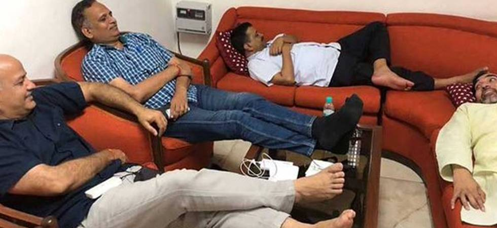 Arvind Kejriwal's sit-in protest at Lt Governor's house continues for the second day (Photo: Twitter/Arvind Kejriwal)