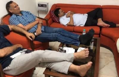 Delhi minister begins hunger strike as CM Kejriwal, Sisodia, APP leaders 'wait' to meet L-G Anil Baijal