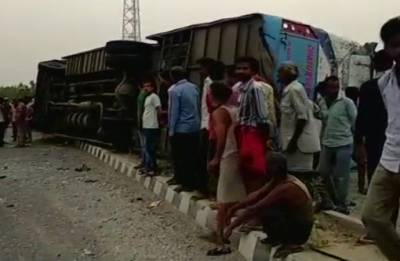 Uttar Pradesh: 17 dead, 35 injured after speeding bus hits divider, overturns near Mainpuri