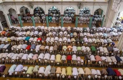LIVE: India gets into celebratory mood with festivity of Eid-ul-Fitr; PM Modi, Prez Kovind greet nation