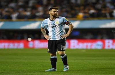 FIFA World Cup 2018: Argentina rally behind Messi ahead of crucial Croatia clash