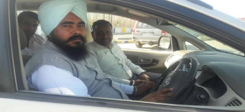 The Shiromani Akali Dal on Thursday sought a judicial probe into the alleged attack on AAP's MLA Amarjit Singh Sandoa