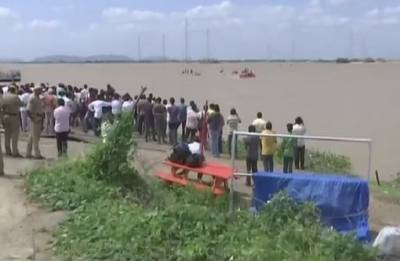 Bodies of 4 Engineering students, drowned in Krishna river, recovered