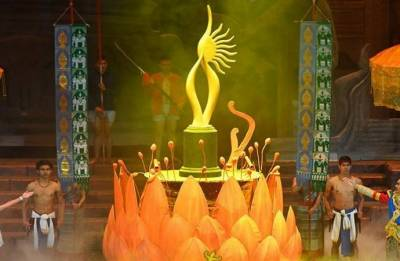 IIFA Awards 2018: Sridevi, Irrfan Khan named best actors; Hindi Medium wins big at star-studded event