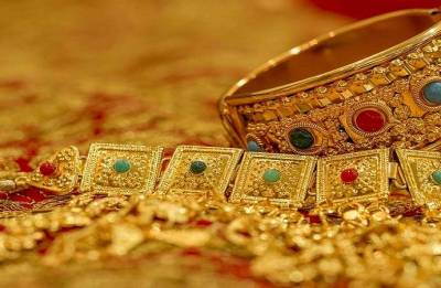 Gold dips over weak global trend and muted demand