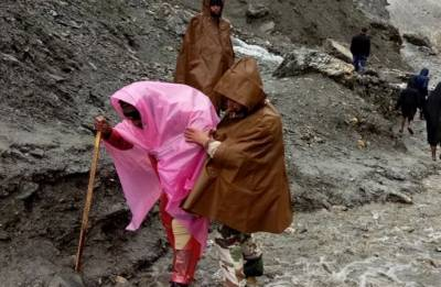 Kashmir: Amarnath yatra resumes as weather improves in Valley