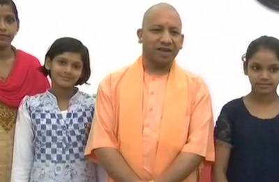UP CM Yogi Adityanath meets India's 'memory machines' Singh sisters