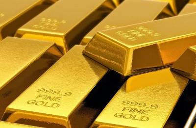Gold surges Rs 210 on positive global trend
