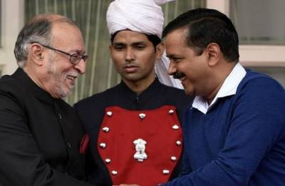 Arvind Kejriwal meets L-G Anil Baijal at his residence; to discuss SC verdict on Delhi power tussle