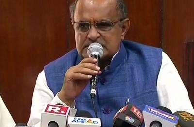 JDU slams Modi's minister Giriraj Singh for meeting Nawada riots accused in jail