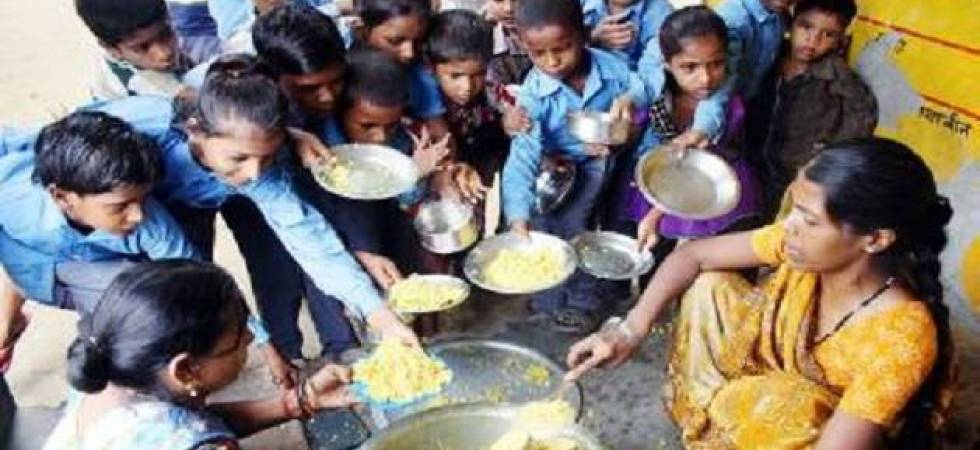 26 students taken ill after having mid-day meal at Delhi school (Representative image: File photo)