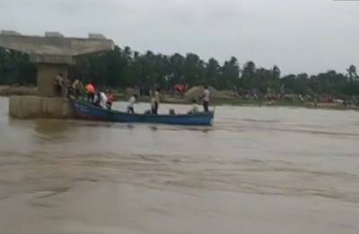Andhra Pradesh: Rains hinder rescue operations to trace seven missing in East Godavari boat capsize