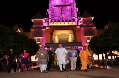 In a late night tour, Modi inspects development projects in Varanasi