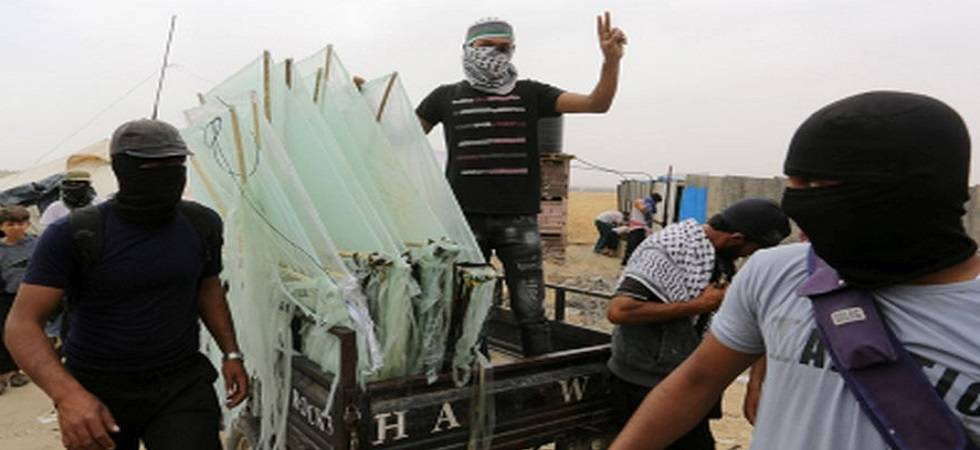 Israel tightens Gaza blockade as arson kites raise fears of war (Photo: Twitter)