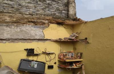 Dwarka: Roof of building collapses; 2 dead, three injured