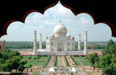 Taj Mahal area should be no-plastic zone: UP government to Supreme Court