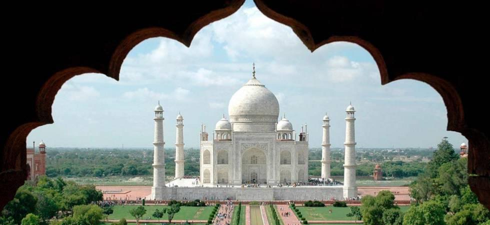 Taj Mahal area should be no-plastic zone: UP government to SC (File Photo)