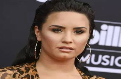 Demi Lovato hospitalised after possible overdose, now 'awake'