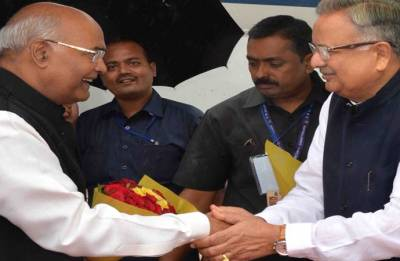 President Kovind arrives in Chhattisgarh on two-day visit, welcomed by CM Raman Singh
