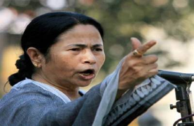 Mamata questions Centre on making Aadhaar compulsory for availing services