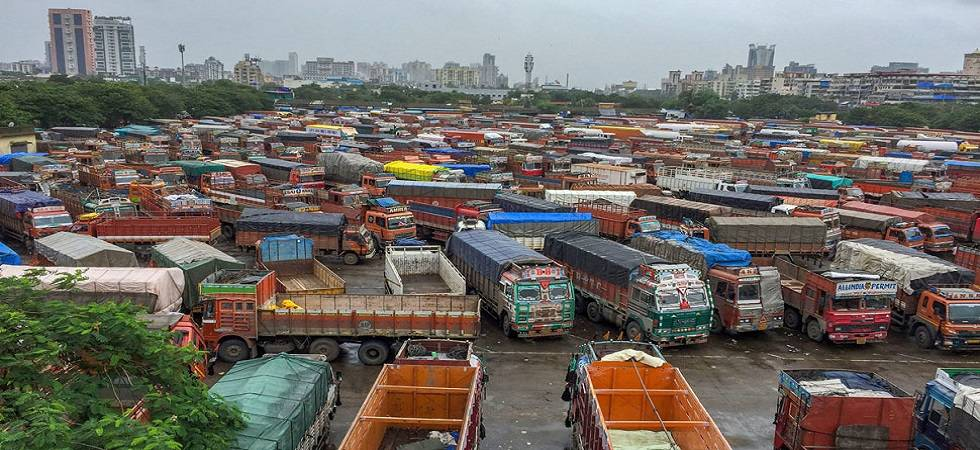 Truckers call off strike; Government forms high-level panel to look into demands (File Photo- PTI)