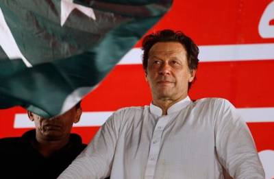 Congratulations skipper! Pakistan cricket fraternity to Imran Khan