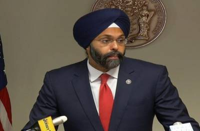 US radio hosts apologise for calling first Sikh-American Attorney