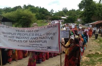 Manipur: 10 injured as mob attacks police