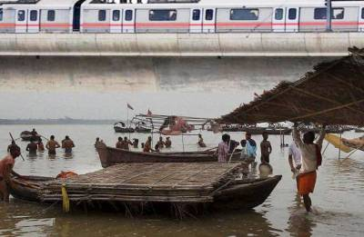 Flood scare in Delhi as Yamuna water level crosses danger mark; evacuation begins
