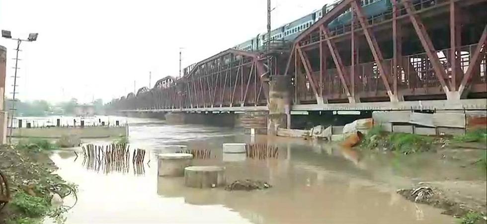Yamuna water level crosses danger mark due to rains (Photo: Twitter/ANI)