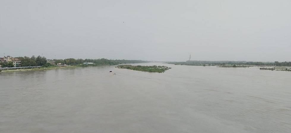Yamuna water level continuously rising; many evacuated (Photo: Twitter)