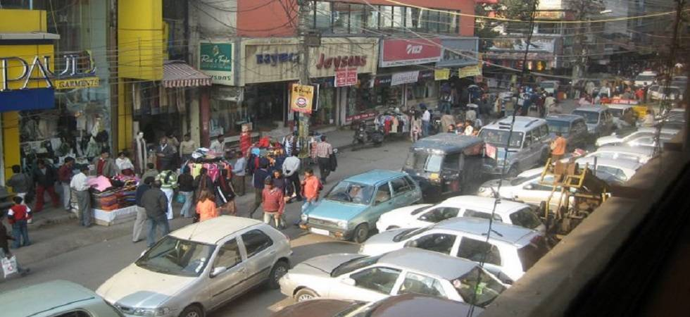 Karol Bagh roads can't be used to park for sale vehicles of dealership (Photo: Facebook)
