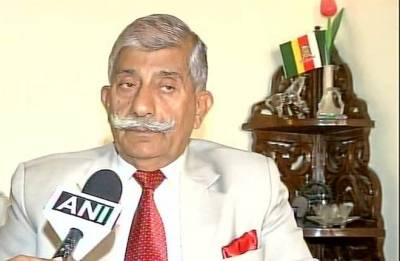 Arunachal Governor discusses recruitment of Arunachal youths in the IAF with Dhanoa