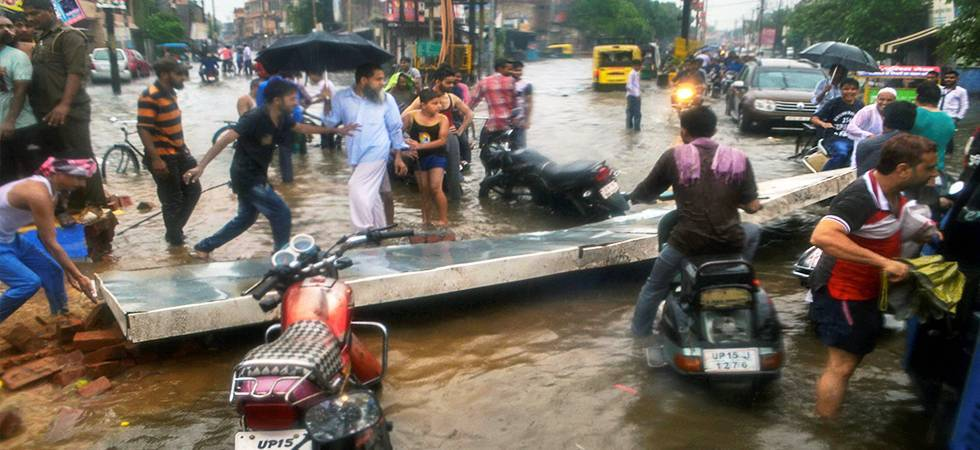 14 more deaths in UP rains, toll rises to 106 (Photo: PTI)
