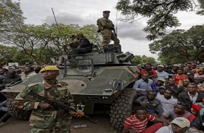 Zimbabwe troops in Harare until 'situation over'