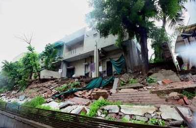 Old house crumbles in Nashik; two trapped