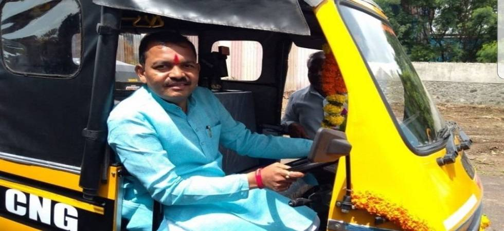 Man who once drove autorickshaw becomes Pimpri Chinchwad mayor (Photo- Twitter/@CantstopulovinM)