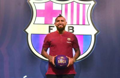 I am here to win all the trophies, says Arturo Vidal after Barcelona unveiling