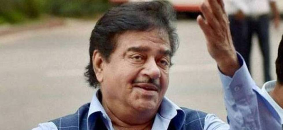 Shatrughan Sinha seeks national mourning for Karunanidhi (File photo)