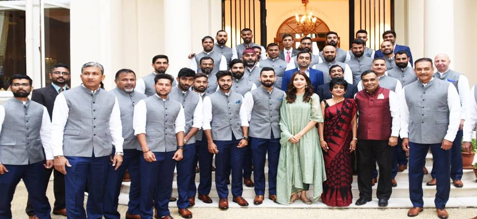England vs India: Anushka Sharma spotted in team photograph, Twitterati goes crazy (Photo: BCCI Twitter)