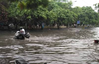 Weather Alert: Heavy rains lash Delhi, Noida, Gurugram; traffic affected