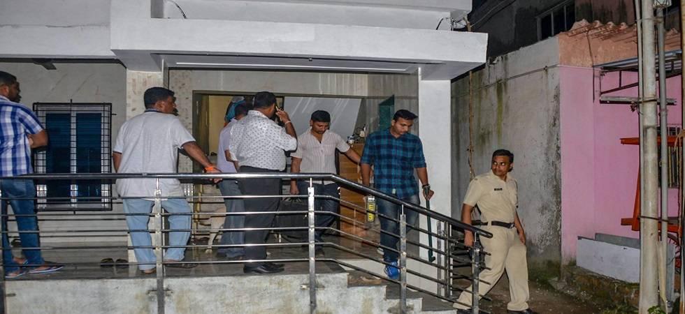 Maharashtra Anti-Terrorism Squad (ATS) raids the house of a Sanatan Sanstha member Vaibhav Raut at Nalasopara on August 10, 2018 (Photo: PTI)