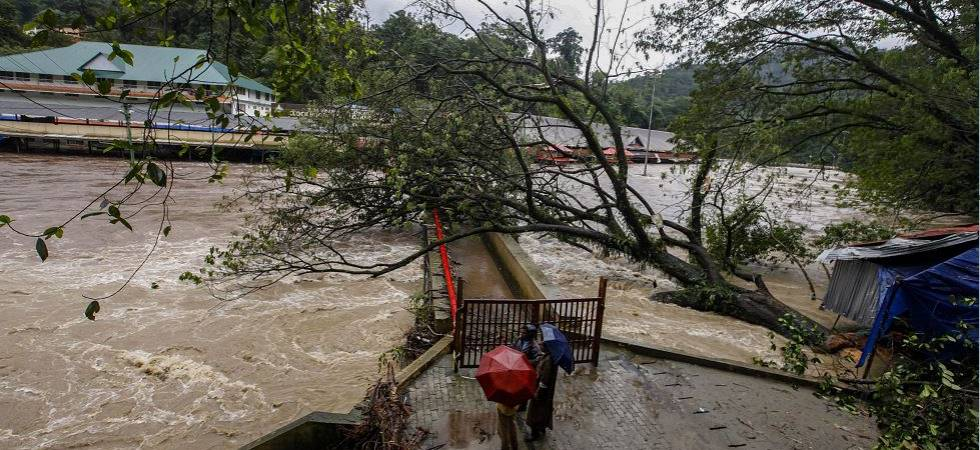 Kerala Floods: Death toll mounts to 324; 51 NDRF teams deployed (Photo Source: PTI)