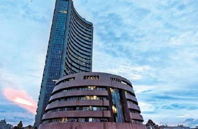 Sensex surges 284 pts, Nifty hits new high