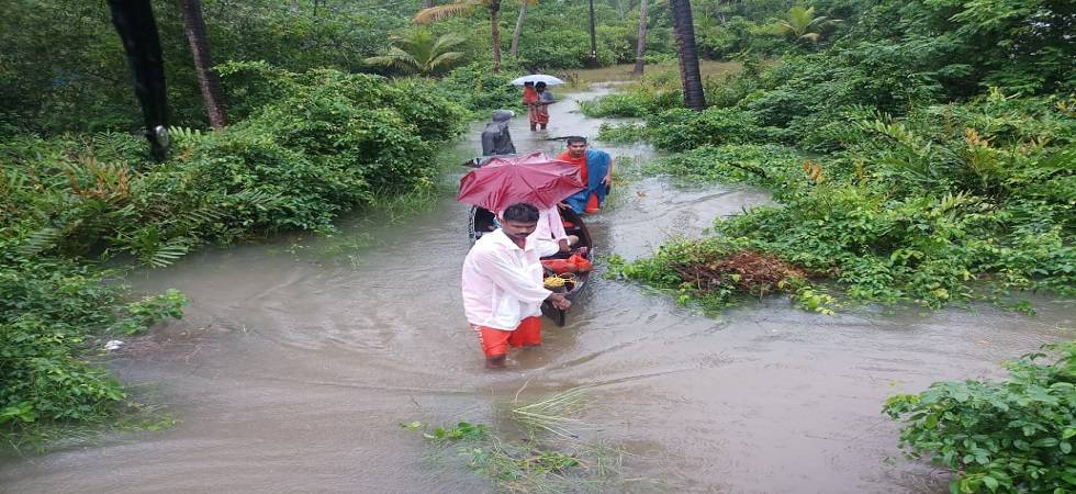 Kerala floods: Environmentalist Gadgil says it is also a man-made disaster (Photo- Twitter/NDRFHQ)
