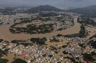 Unsung heroes bring smiles to stranded in rain ravaged Kerala