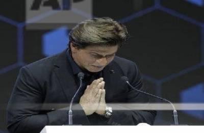 Shah Rukh Khan's 'Meer' reaches out flood victims