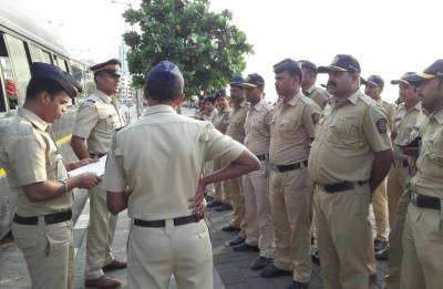 Mumbai Police's witty posts never fail to impress Netizens; Twitterati go gaga over it